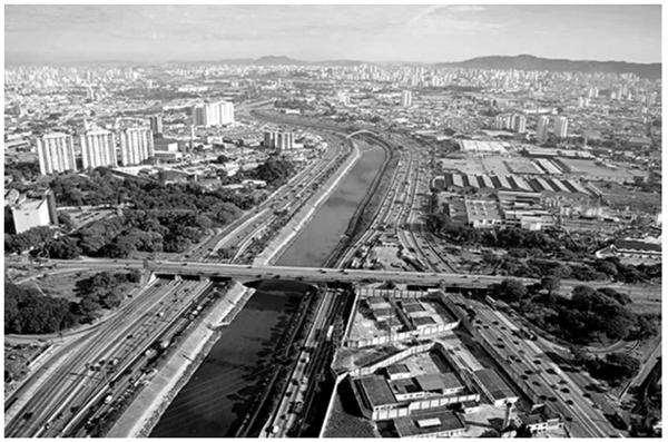 Rio Tietê, São Paulo (SP). Foto: Delfim Martins/Pulsar.