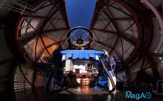 Magellan II telescope