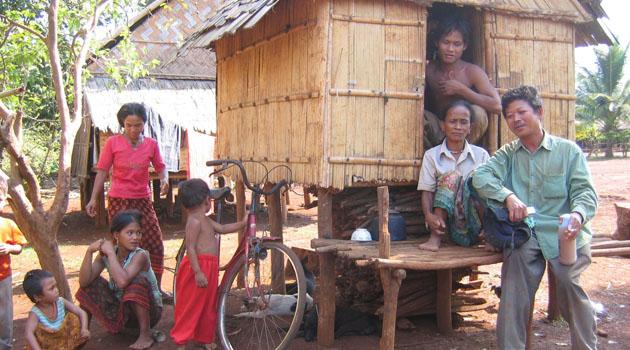 Anak gadis di kampung ini dibenarkan untuk melakukan hubungan intim dengan ramai lelaki untuk pilih calon suami