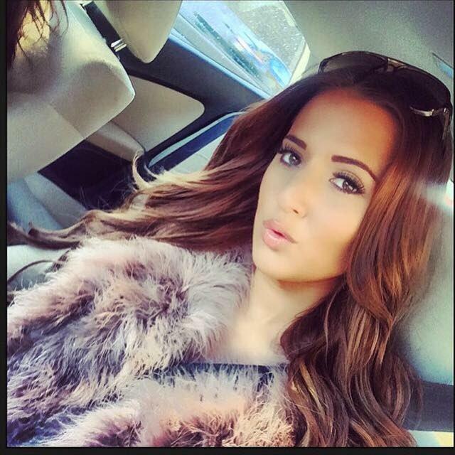 Yazmin Oukhellou Cute Selfies on Instagram