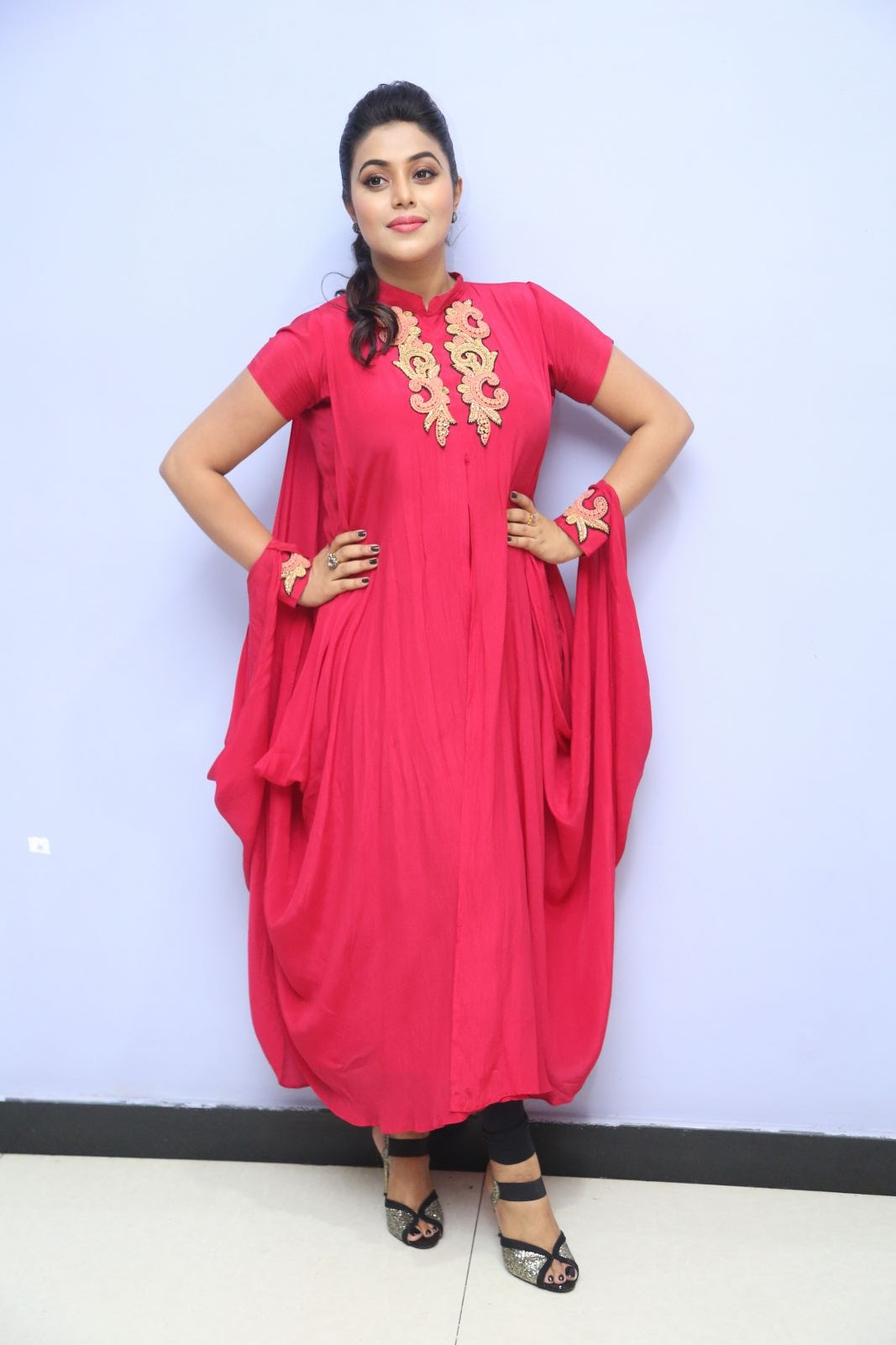 poorna new glamorous photos-HQ-Photo-20