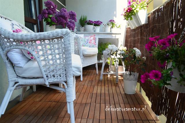 aranżacja balonu, majowy balkon, pomysł na balkon, balkon inspiracje