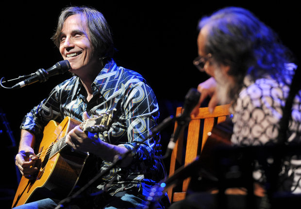 "When Famous Artists Meet the Blues:Jackson Browne & David Lindley, ""Mercury Blues""- Live"
