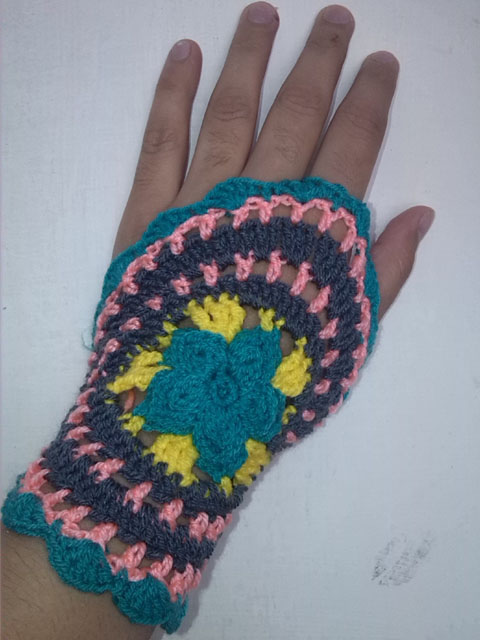 Crochet Fingerless Gloves Picture Tutorial : Crochet - Crosia Free Patttern with Video Tutorials ...