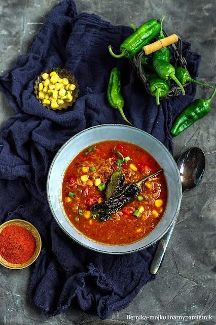 zupa, pulled pork, szarpana wieprzowina, obiad, bernika, wieprzowina, jedzenie,pomidory, papryka, kulinarny pamietnik