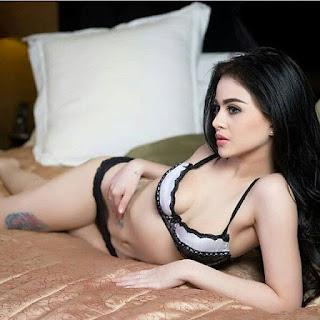 KUMPULAN FOTO DAN VIDEO MODEL FERLAUNA ALONA HOT DAN SEXY