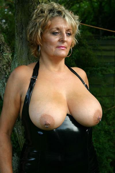 Iliza shlesinger fake nude