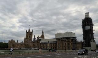 Palacio de Westminster y Big Ben, iconos de Londres.