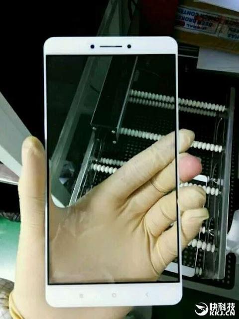 Inikah panel depan Xiaomi Max?