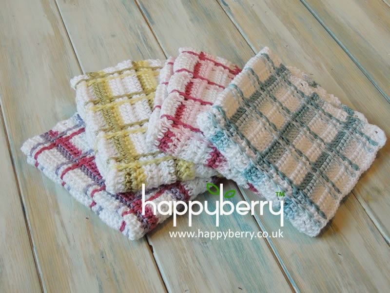 Kitchen Crochet Patterns featured by top US crochet blog, Flamingo Toes: tartan washcloth