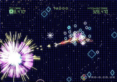 Geometry Wars: Galaxies Screenshot 2