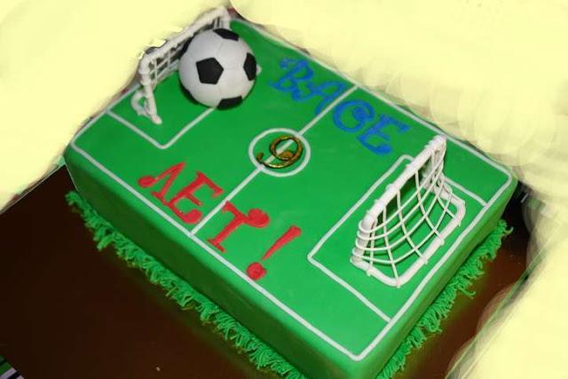 """Как сделать и оформить торт «Футбольный мяч», как сделать и оформить торт """"футбол"""", как сделать и оформить тор """"футбольное поле"""" торт """"футбольное поле"""", торт футбольный мяч, оформление тортов, оформление шарообразных тортов, торты для мальчиков, торты для мужчин, как сделать торт футбол, как сделать торт шар, торты спортивные, торты для спортсменов, торты на 23 февраля, как сделать торт футбольный мяч, как оформить торт футбольный мяч, блюда спортивные, оформление тортов, торт """"Футбол"""", торт """"Футбольный мяч"""", торт детский, торт для мужчины, торт на 23 февраля, торты, торты спортивные, торт сфера, торт шарhttp://prazdnichnymir.ru/ торт танк на 23 февраля"""