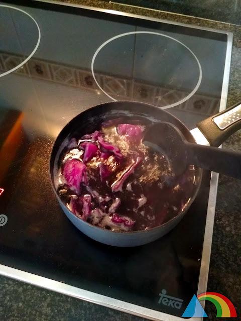 Preparando zumo de col lombarda