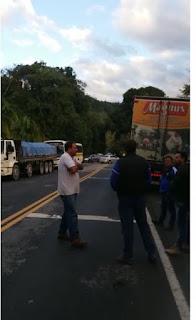 Vídeo - Arrastão de assaltos a motoristas na rodovia Juquiá/Tapiraí neste 05/07