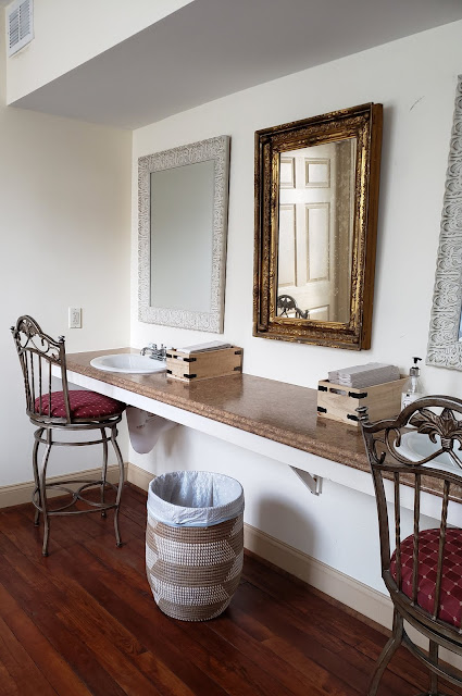 the washington bridal suite counter with sinks