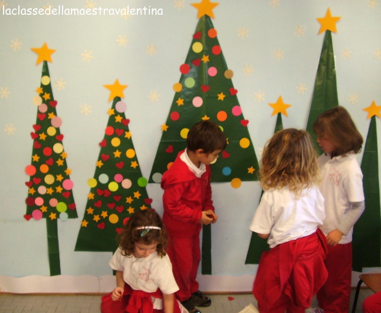 La classe della maestra valentina natale con i bambini for Addobbi natalizi per la classe
