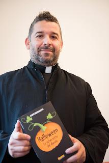 Halloween Don Aldo Buonaiuto esorcista