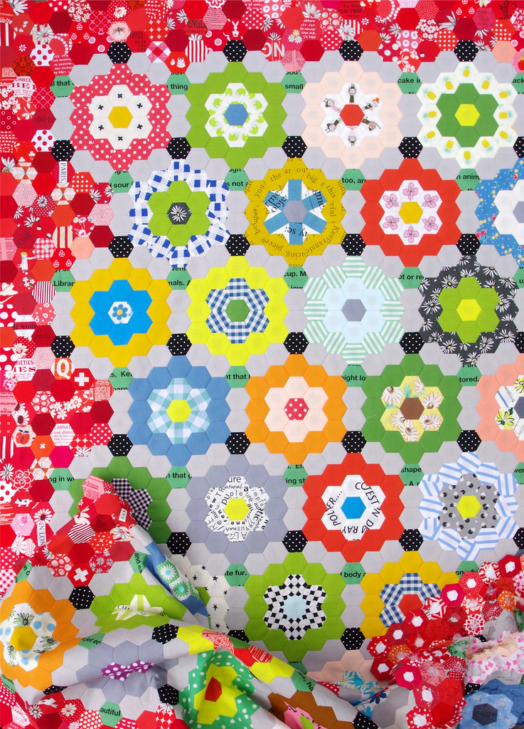 My Pandemic Quilt - Grandmother's Flower Garden Quilt © Red Pepper Quilts 2020 #hexagonquilt