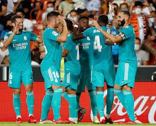 Valencia 1 Real Madrid 2: Remontada que sabe a liderato blanco