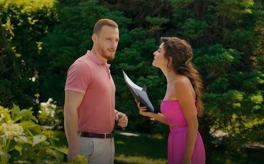 Sen Çal Kapımı 43. Bölüm 4 Temmuz Pazar dizide giydiği Pembe elbise