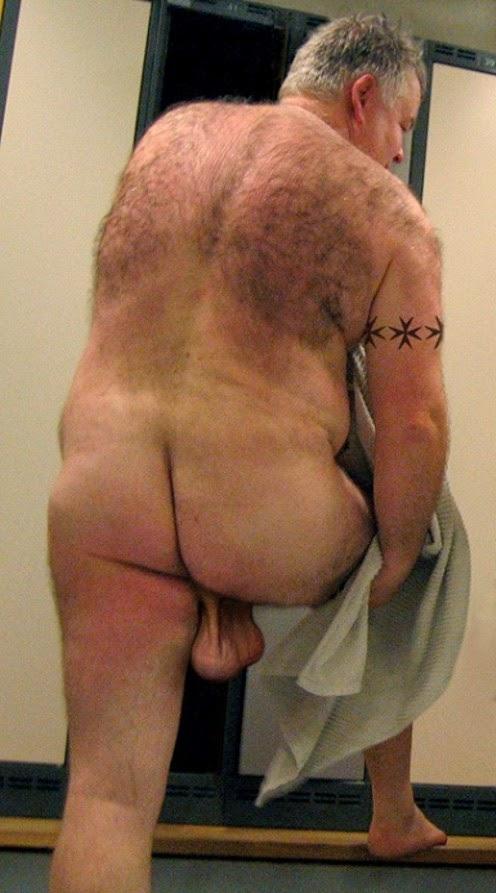 Very Homens nus se beijando