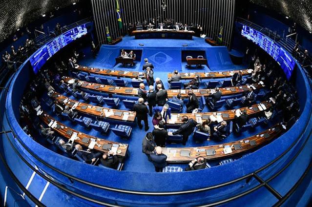 Senado libera candidatura para políticos multados por contas rejeitadas