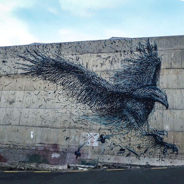 DALeast is currently in New-Zealand where he spent the last three days working on this new piece somewhere on the streets of Dunedin.