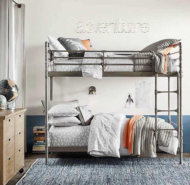 Trucos para decorar dormitorios de adolescentes, dormitorio con camas de hierro o forja