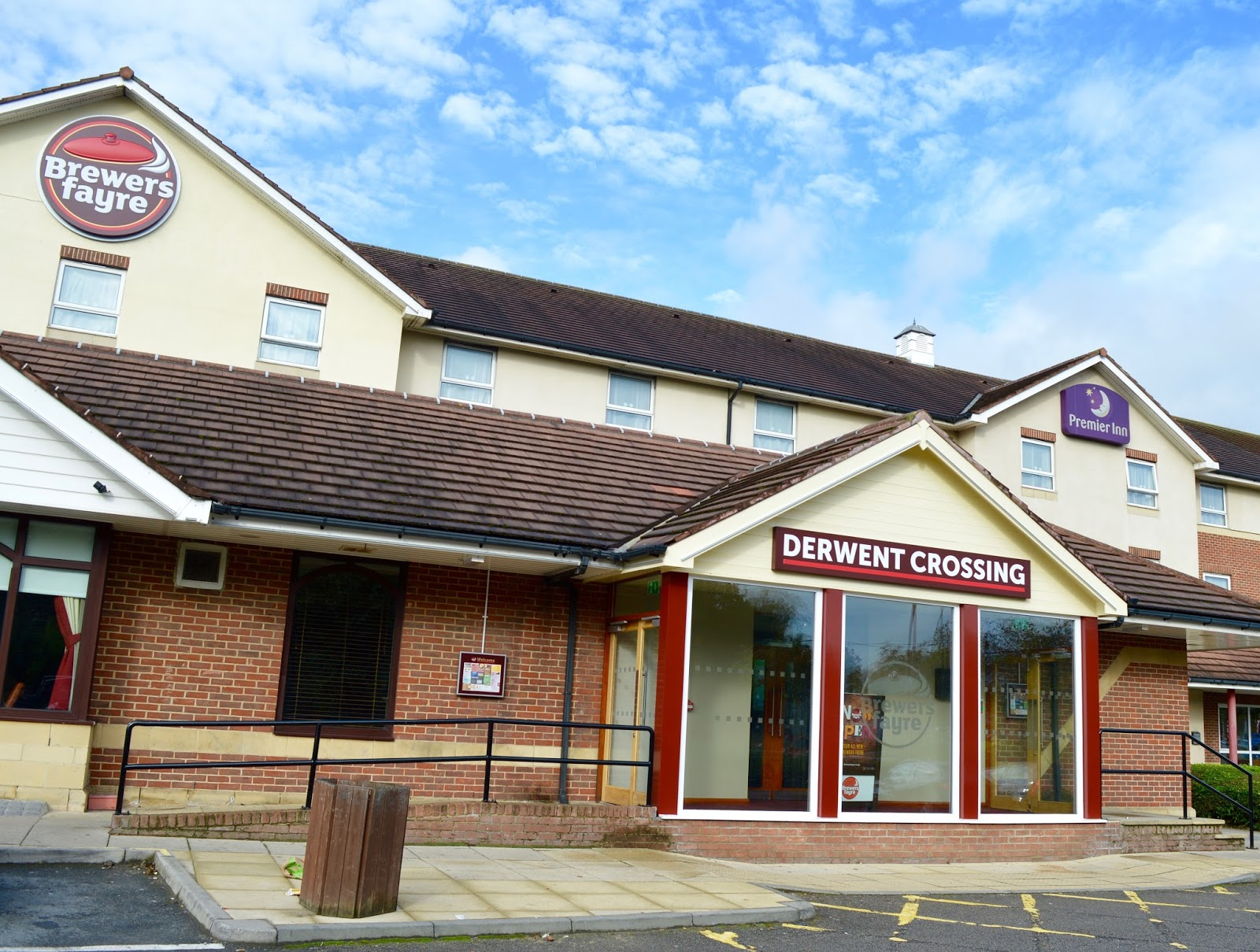 Derwent Crossing Brewers Fayre near intu Metrocentre | Play Area & Children's Menu Review - exterior and location