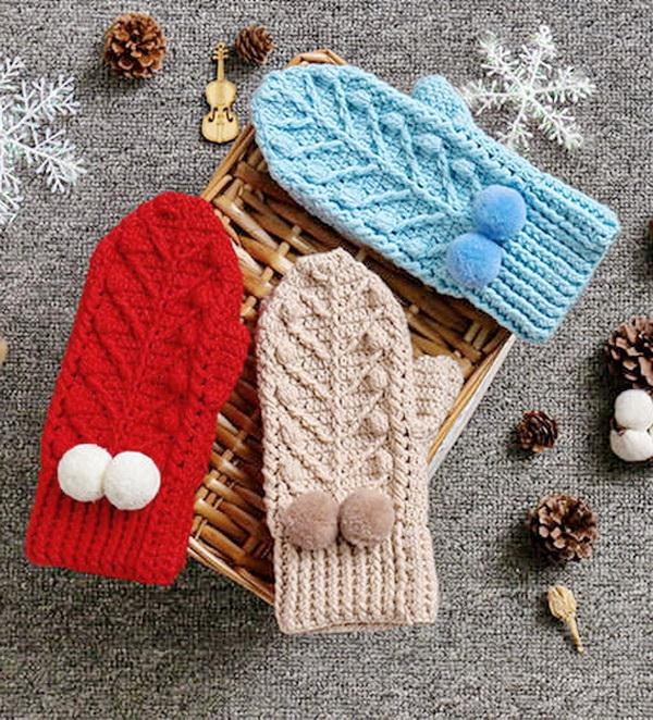 Crochet mittens in 3 colors