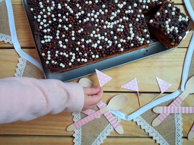 Chocotorta. Tarta de galletas, queso y dulce de leche sin horno. Receta argentina. Postre, cumpleaños, torta, chocolate, Cuca