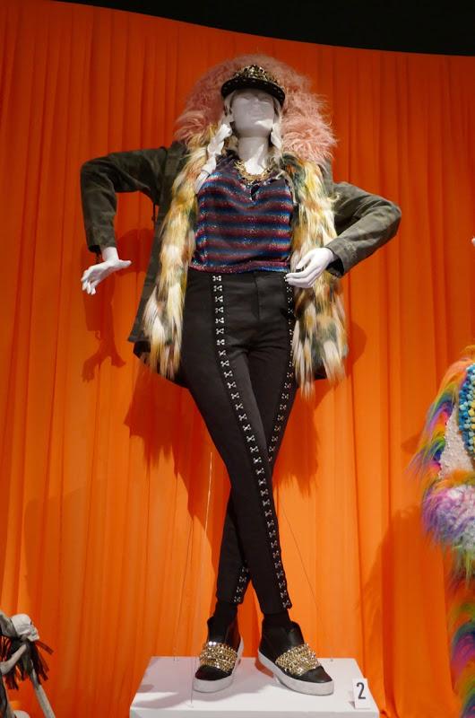 Rachel Bloom Crazy Ex-Girlfriend Rebecca Bunch rap costume