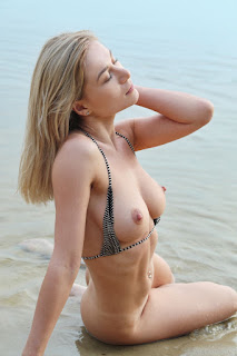 Free Sexy Picture - candice_b_27_01567_9.jpg
