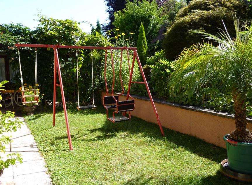Contoh Gambar Desain Taman Belakang Rumah Gaya Minimalis Untuk Lahan Yang Sempit