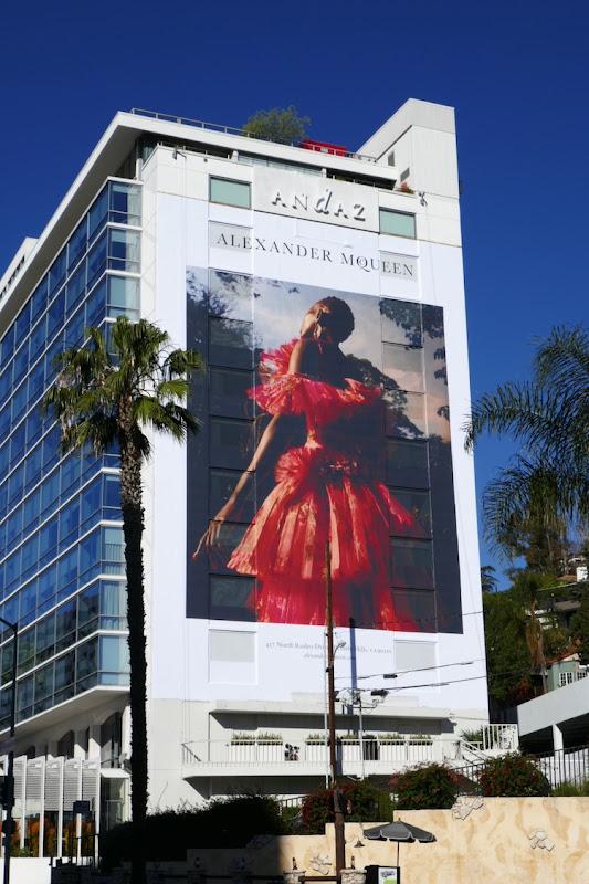 Giant Alexander McQueen S18 billboard