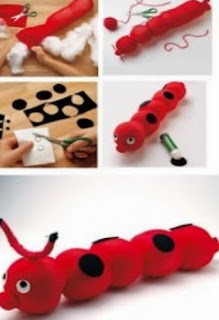 http://manualidadesparaninos.biz/como-hacer-una-marioneta-de-gusano-con-un-calcetin/