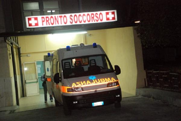 Palermo, lascia in ospedale neonata positiva al Covid e sparisce