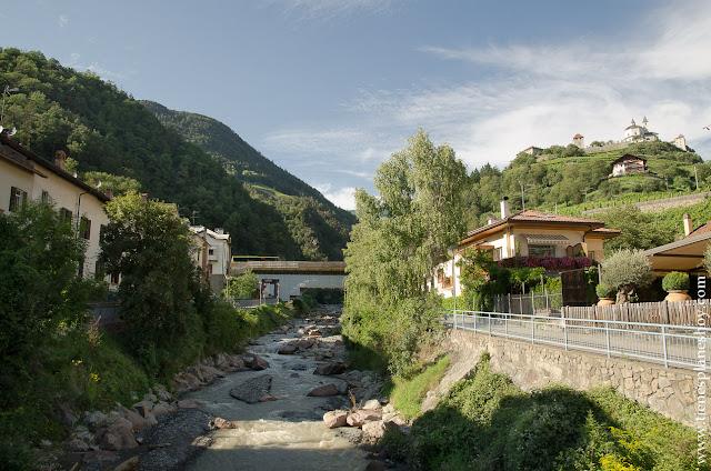 Chiusa viaje Italia montañas pueblos