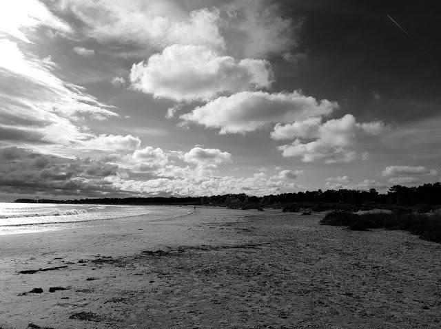 Unter dem Meer. Meine Fehlgeburt: Der Weg aus dem Verdrängen (3). Ich erzähle Euch auf Küstenkidsunterwegs, warum Verdrängen auch ein Schutz sein, aber langfristig dazu führen kann, einen Teil des eigenen Selbsts zu verlieren. Und warum Sprechen bzw. Schreiben für mich eine Chance und der Weg zurück ins Leben ist.