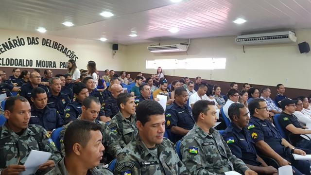 Policiais Militares do 6º Batalhão PM Fron participam de palestra motivacional
