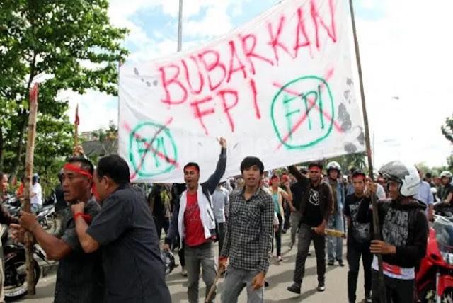 Pemerintah Dituntut Bubarkan FPI