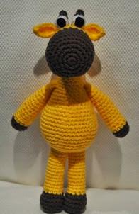 http://lavaquitadelanita.blogspot.com.es/2014/01/amigurumi-jirafa-con-patron.html