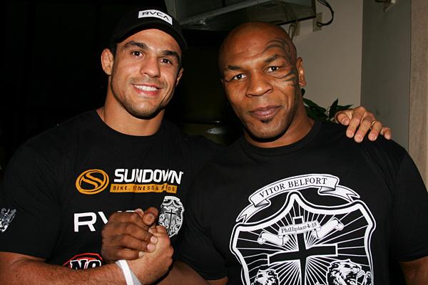 Vitor Belfort faz aparição conjunta com Mike Tyson no  Dynamite