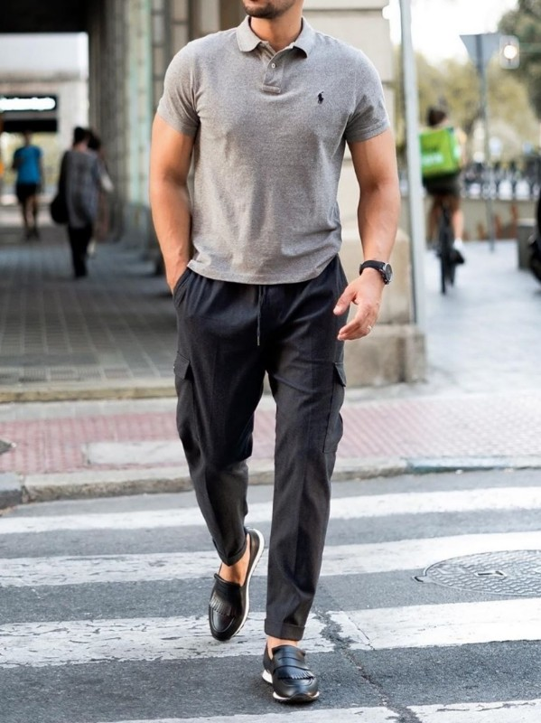 Men in grey polo t-shirt and cargo pant.