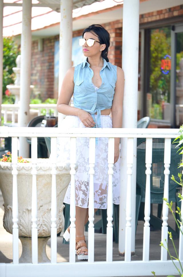 Mari Estilo- Charles Town West Virginia- MariEstiloTravels-Wearing: Skirt/Falda: DressLink Top/Blusa: Romwe Shoes/Zapatos: Pink Key Clutch/Cartera de mano: Rainbow