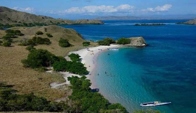 Pink Beach di Pulau Komodo