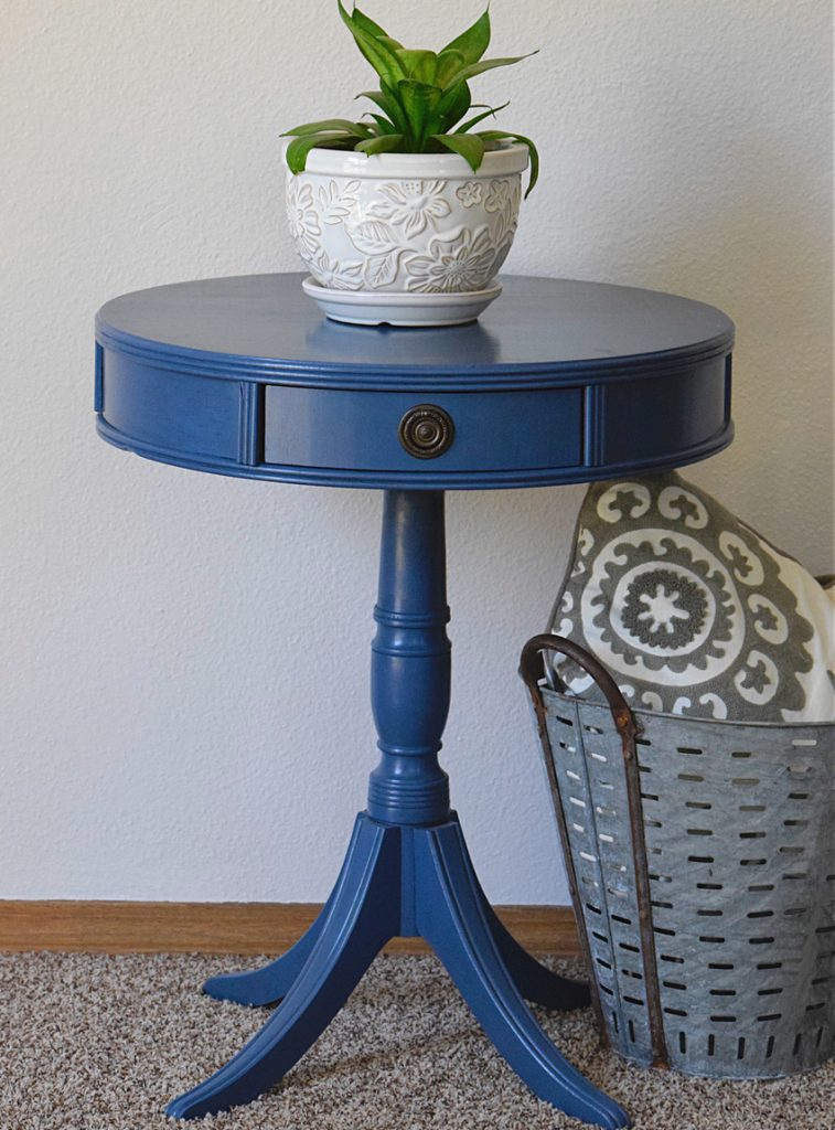 painted blue table, blue table, how to paint a drum table