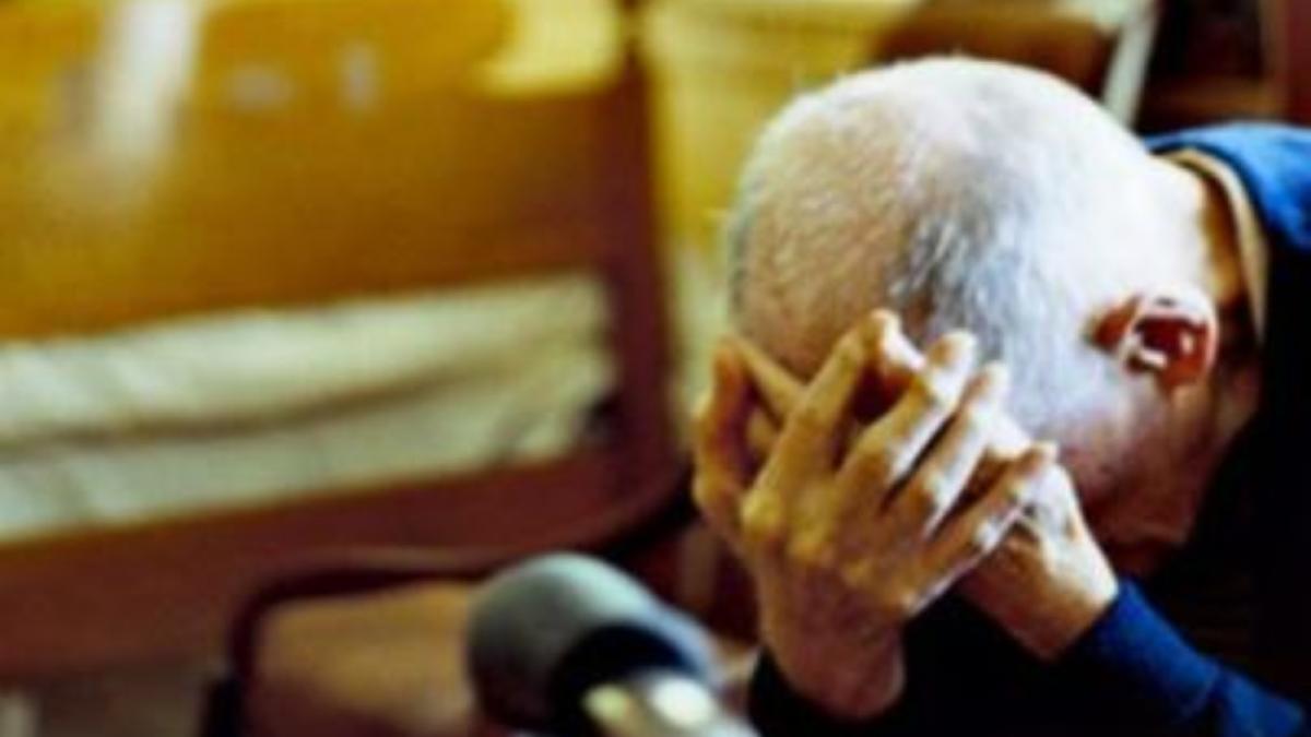Adrano Carabinieri violenza domestica pensionato