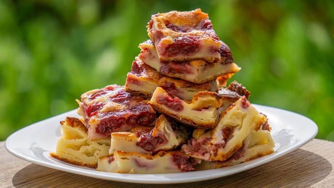 Meggyes tejpite, csak keverd össze a hozzávalókat, tedd be a sütőbe és 30 perc múlva kész a csodás sütemény!