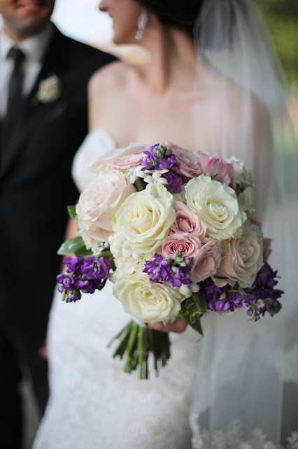 romantic flowers delta hote sioux city wedding